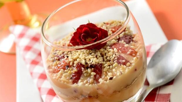 Pavê diet de doce de leite com morango Sobremesa é prepara com leite desnatado e mel de agave