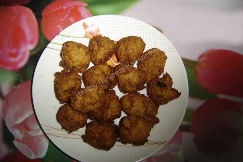 Jackfruit Sweet Bondas (Konkani: Mulik/Mulk)