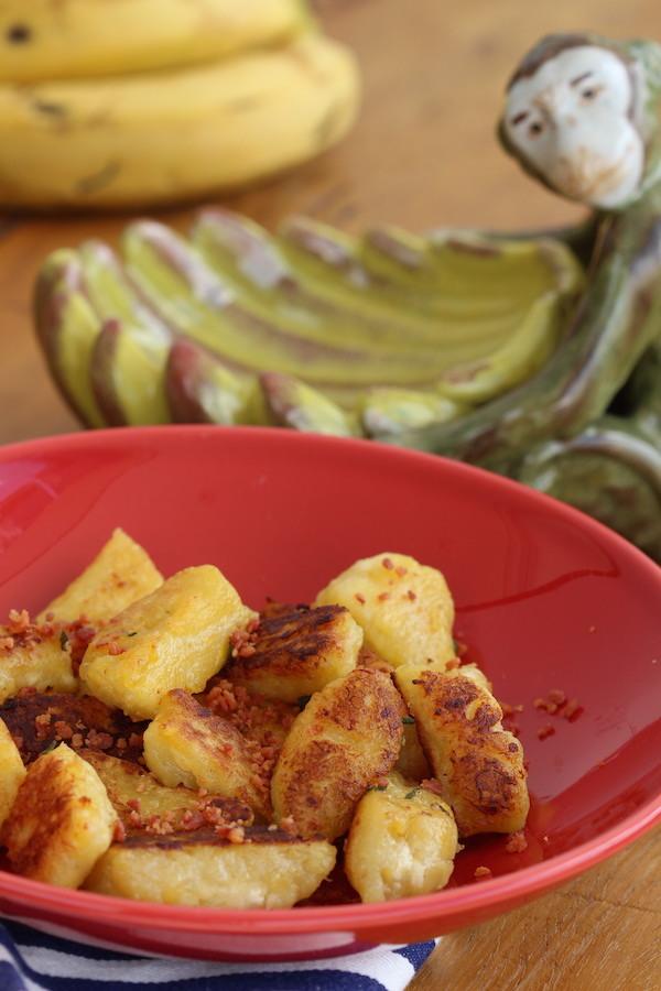 Nhoque de Banana com Queijo e Bacon