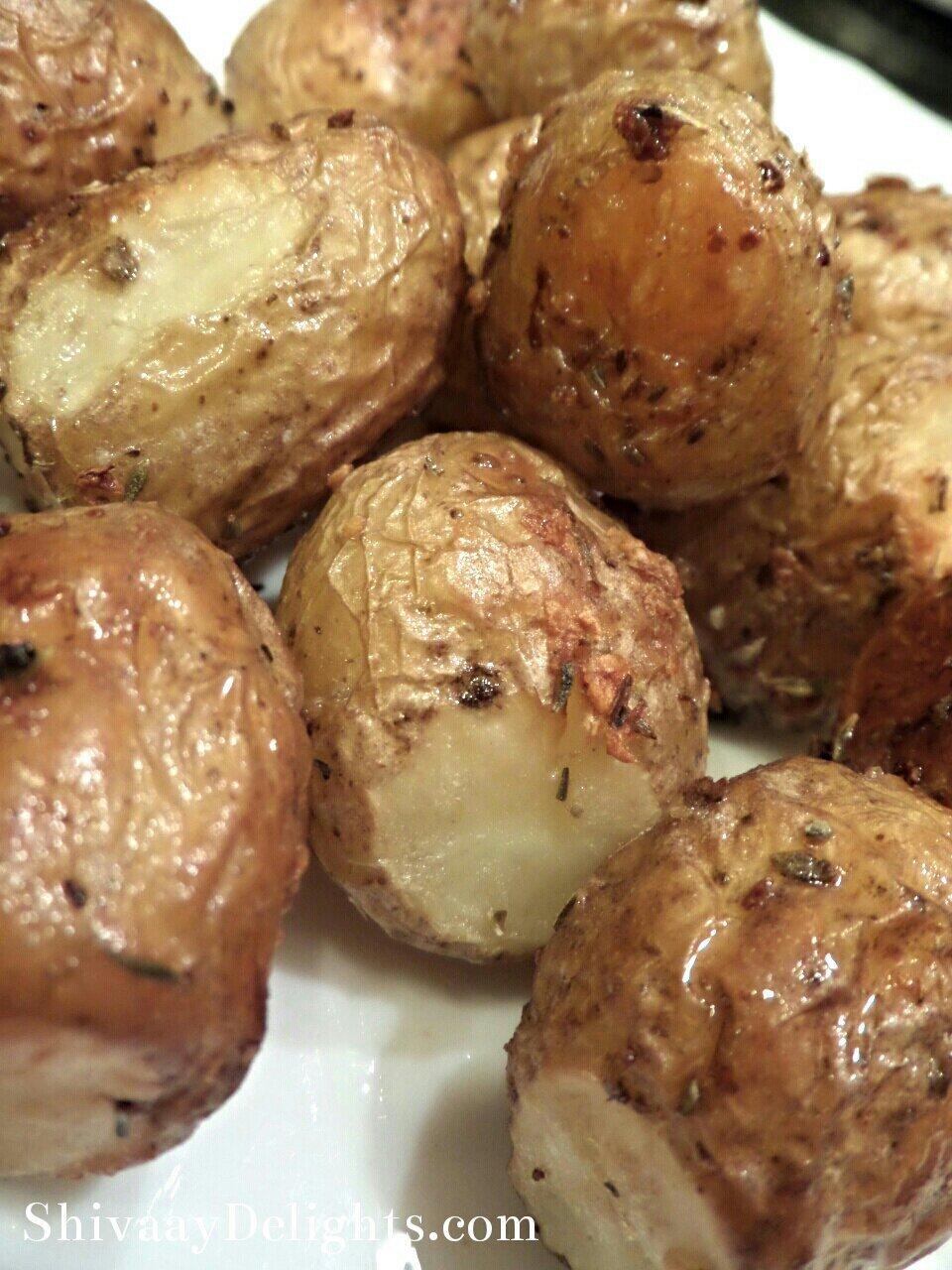 Crispy Garlic Roasted New Potatoes…