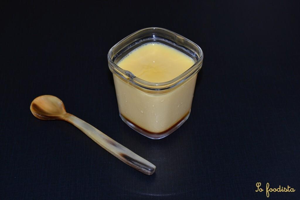 Flans au caramel en yaourtière
