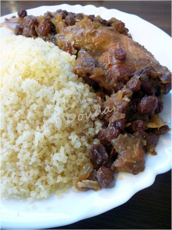 Couscous sucré aux raisins secs et poulet