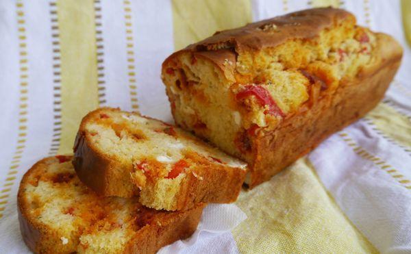 Cake chorizo-feta-poivron