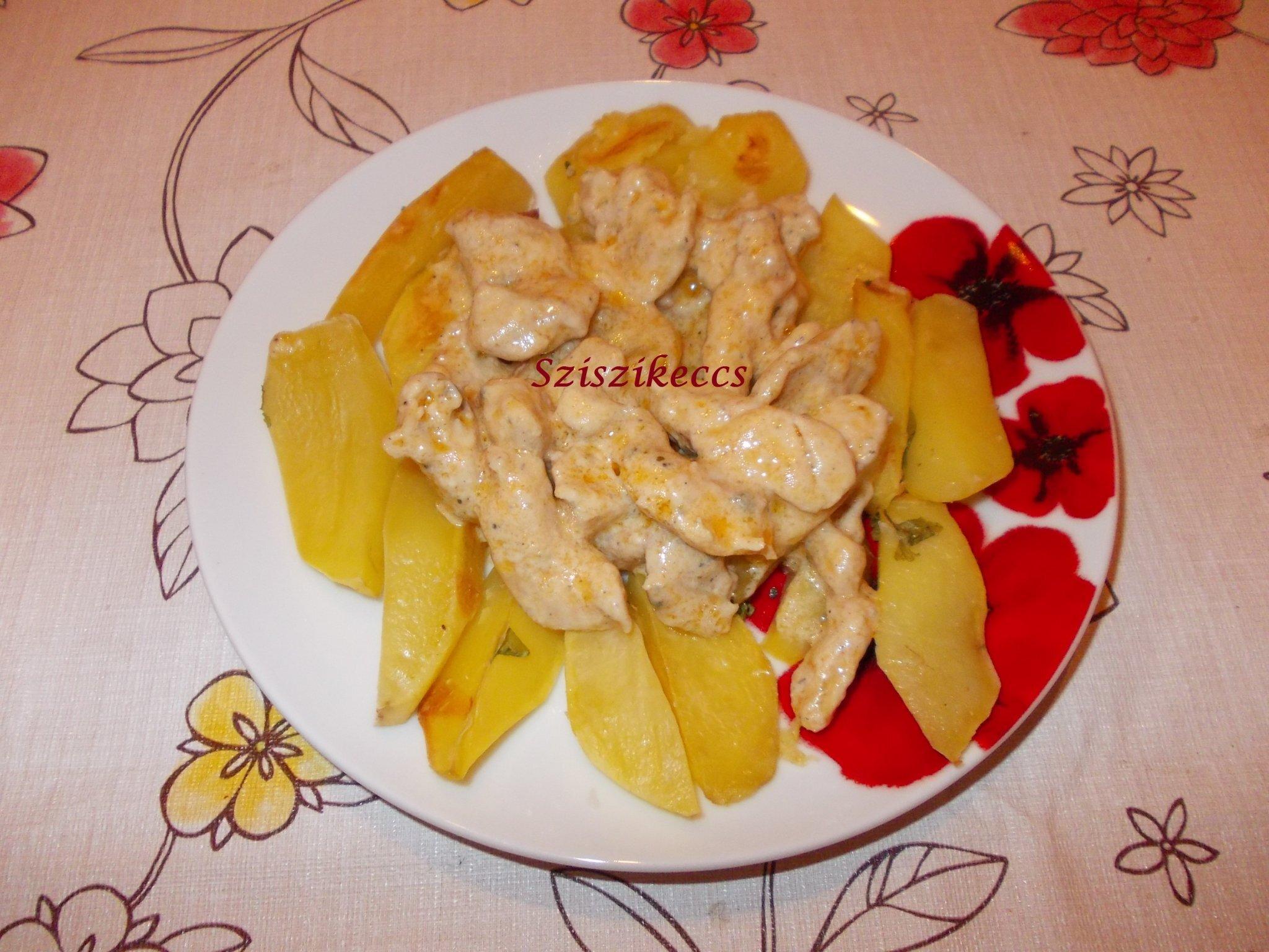 Sajtos csirkemell sütőben sült krumplival