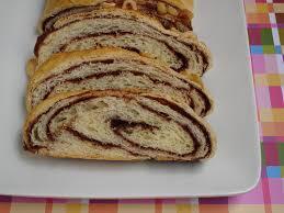 Pão Torcido com Recheio de Chocolate
