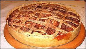 torta de maçã com creme e gelatina