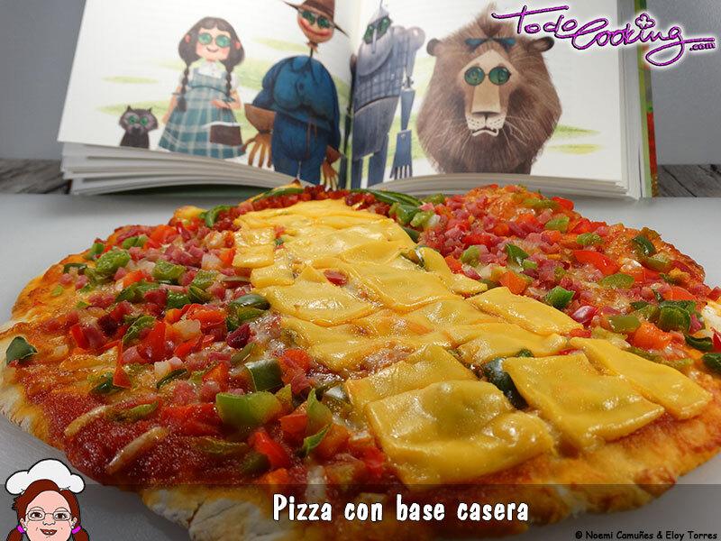 Pizza de queso cheddar, pimientos y jamón con masa casera