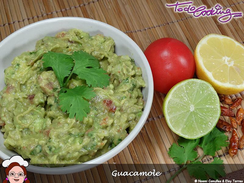 Guacamole. Receta clásica mexicana.