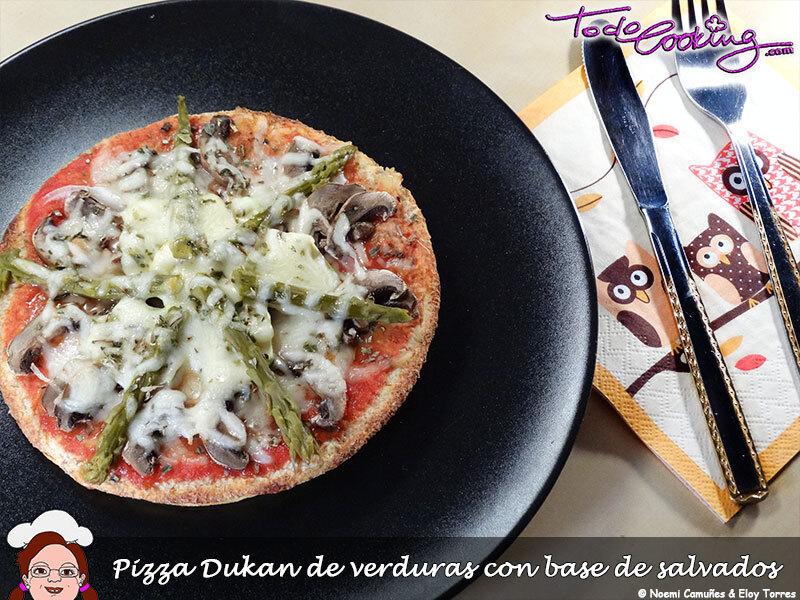 Pizza con verduras con base de salvados (apta Dukan)