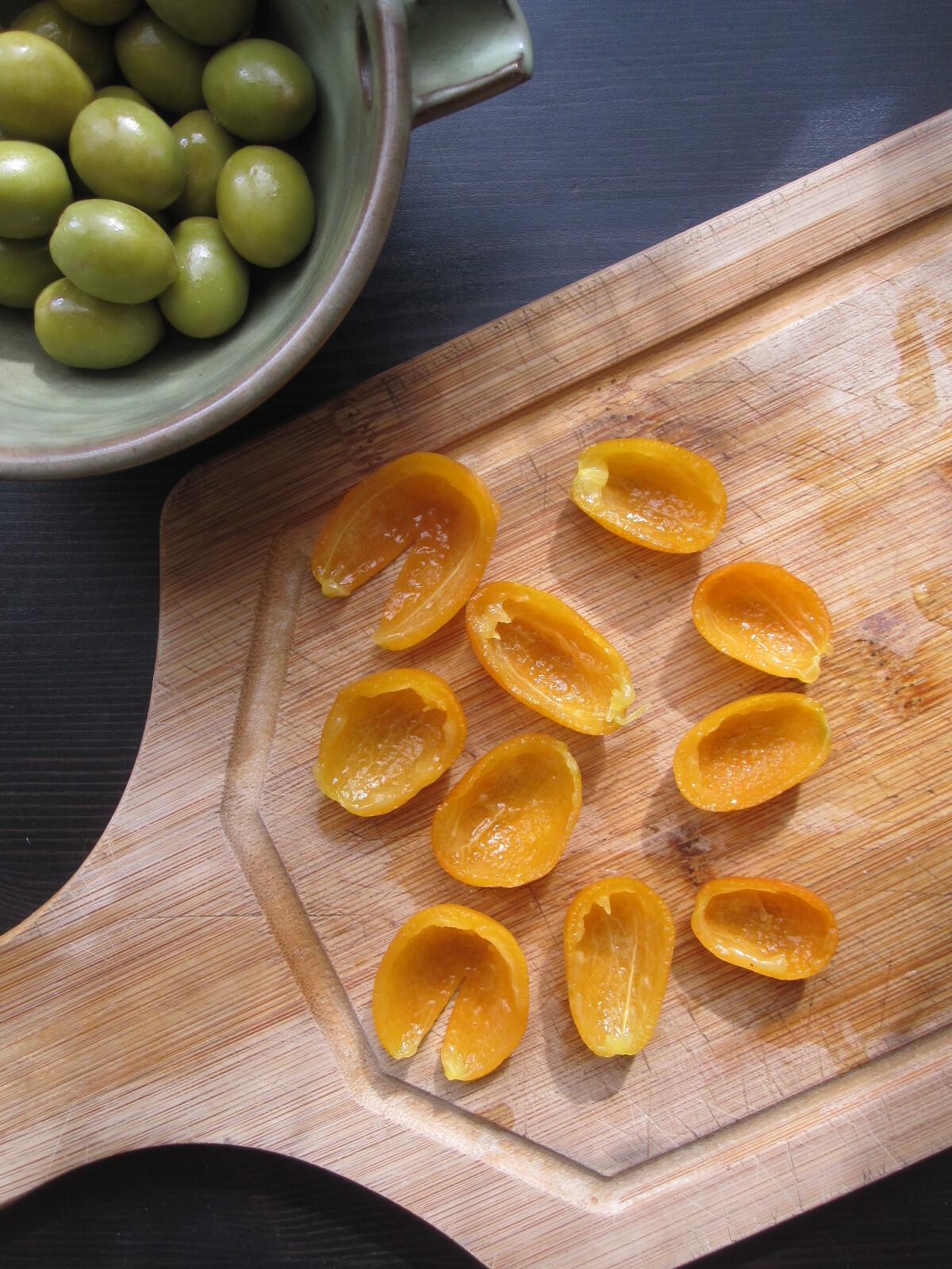 Être {ou ne pas être} un tajine de poulet aux olives et kumquats confits