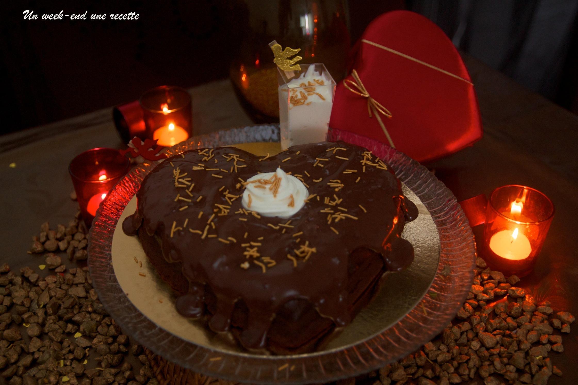 Gâteau chocolaté aux épices, ganache au piment avec sa mousse de chocolat blanc au gingembre
