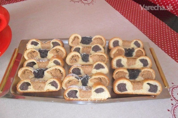 Kysnutý makovo-orechový koláč na Veľkú noc (fotorecept)
