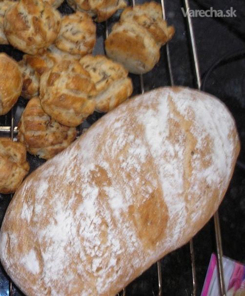 Škvarkový bochník - chlieb v pekárničke (fotorecept)