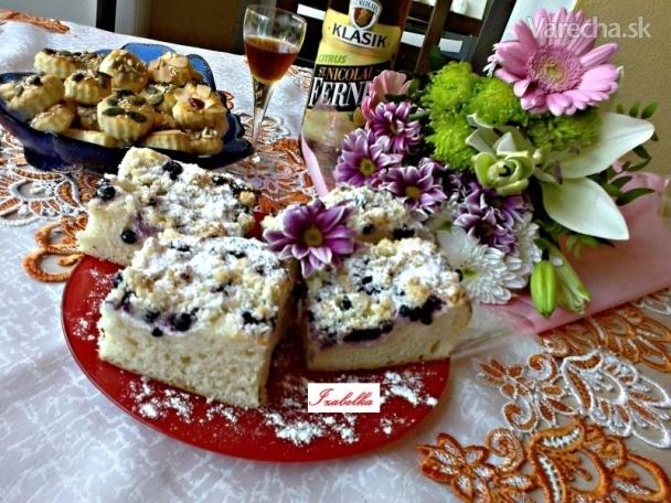Kysnutý čučoriedkový koláč s posýpkou (fotorecept)