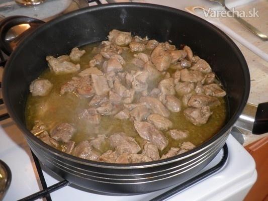 Pikantné bravčové mäso na čiernom korení (fotorecept)