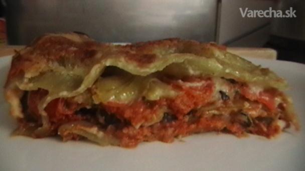 Špenátové lasagne so sójovým mäsom a zeleninou (fotorecept)