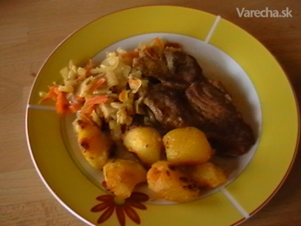 Bravčové rezne dusené s kapustou (fotorecept)