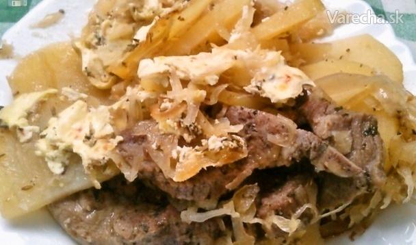 Krkovička pečená v čiernom pive, prekladaná kyslou kapustou a zemiakmi (fotorecept)