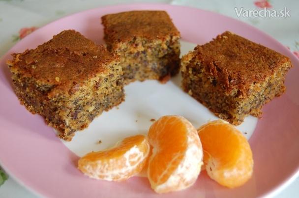 Makovo-mrkvový hrnčekový koláč