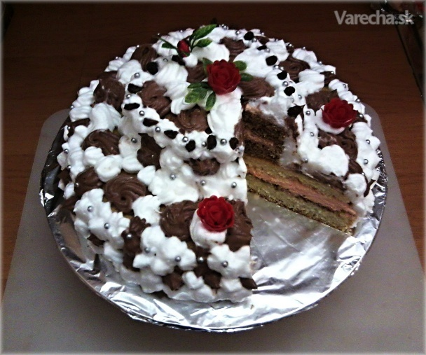 Torta so srdiečkom na vrchu (fotorecept)