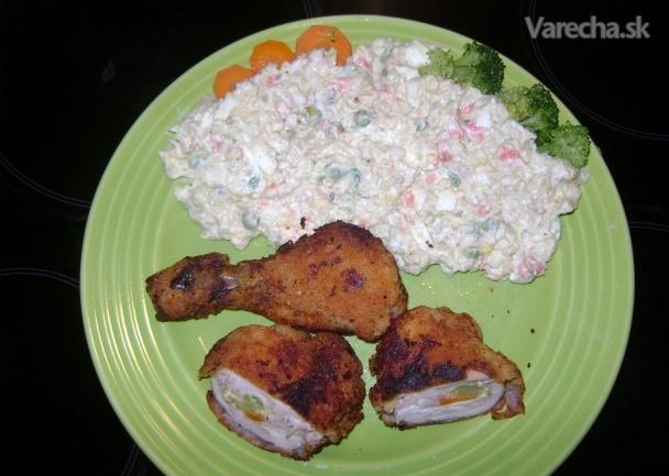 Vyprážaná plnená kuracinka so zemiakovým šalátom (fotorecept)
