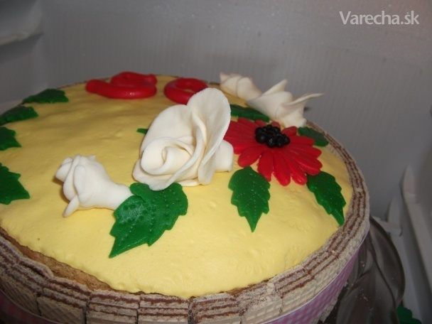 Torta s karamelovo-šľahačkovým krémom a gaštanovým pyré