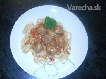 Guľky z hovädzieho mäsa so špagetami (fotorecept)