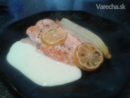 Losos so špargľou a citrónovou omáčkou (fotorecept)
