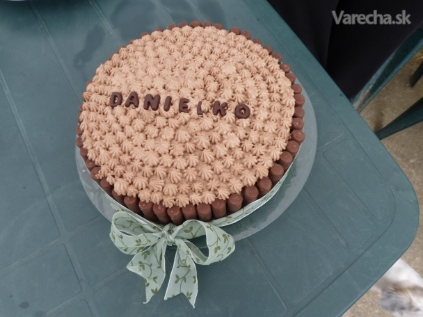 Orechová torta s čokoládovo-kávovým krémom