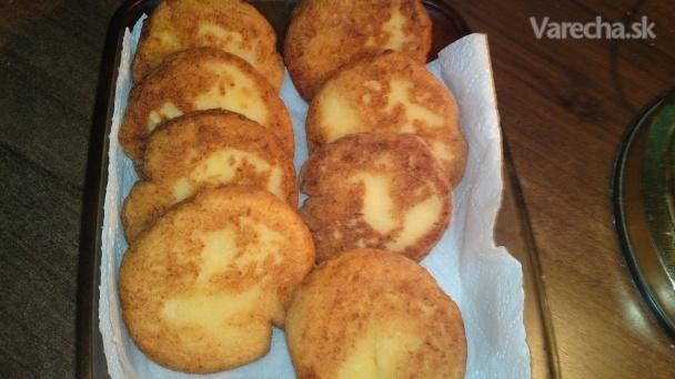 Vyprážané zemiakové kolieska zo zemiakov varených v šupke