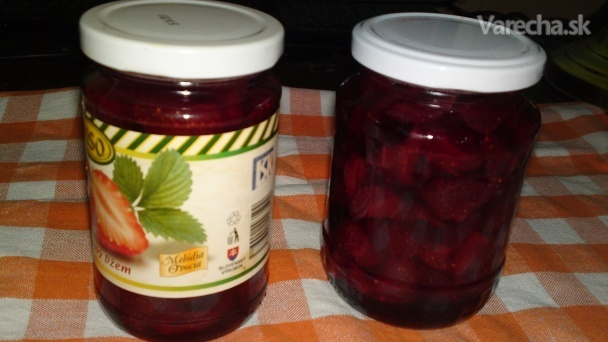 Sirupovitý jahodový džem s kúskami jahôd (fotorecept)
