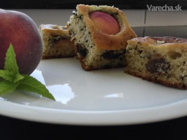 Broskyňový koláč s medom a medovkou-hrnčekový (fotorecept)