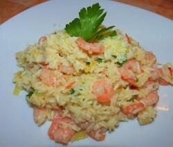 risoto de camarão cremoso com arroz branco