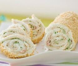 gelada de pão de forma com recheio de atum