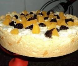 Torta com ameixa e coco