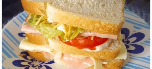Sanduíche natural simples e delicioso