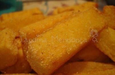 Polenta frita crocante