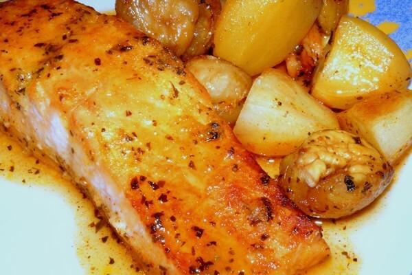 Salmão no forno com molho de mel e mostarda