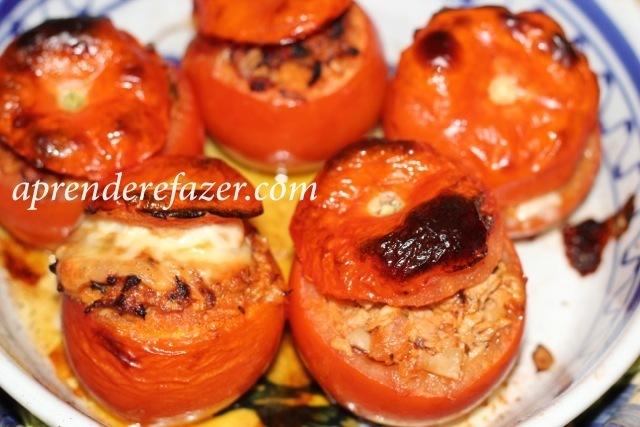 Tomates Recheados à Bolonhesa no Forno