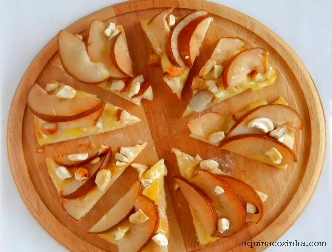Pizza de Queijo Brie Com Pera