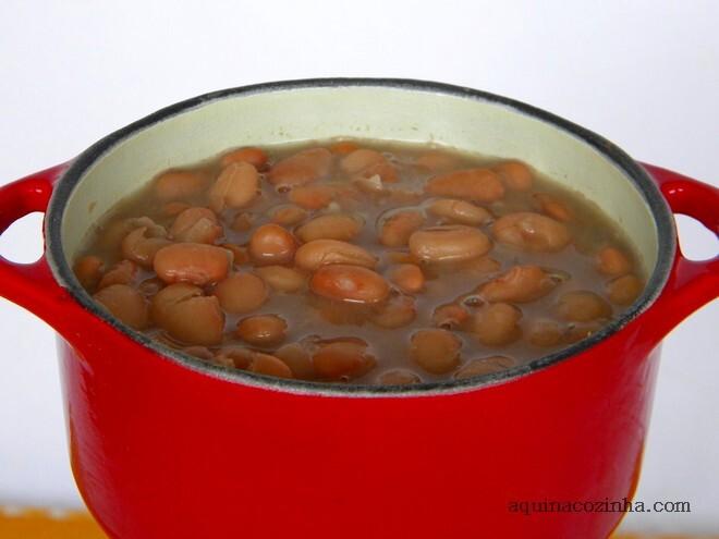 como cozinhar feijão preto com pe de porco