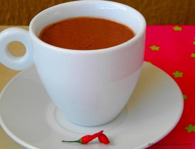 como fazer chocolate quente com barra de chocolate sem creme de leite