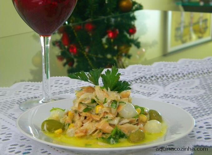 de salada de bacalhau para comer com torradas