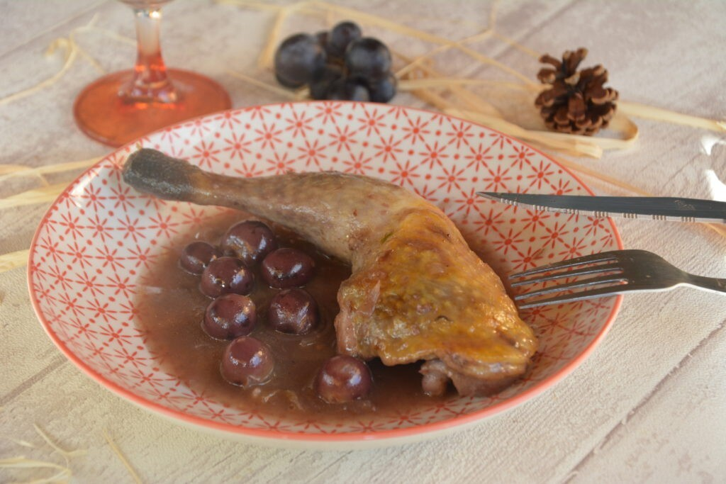 Cuisses de pintade au miel et aux petits raisins