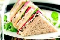 Sandwiches de miga con pan de salvado