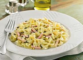 de salada de macarrão gravatinha