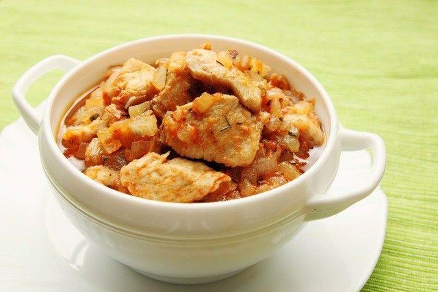 Pollo guisado al estilo latino … ¡Delicioso!