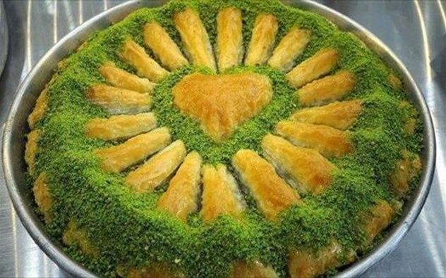 H συνταγή του κλασικού μπακλαβά Η παραδοσιακή συνταγή της Γκάζιαντεπ