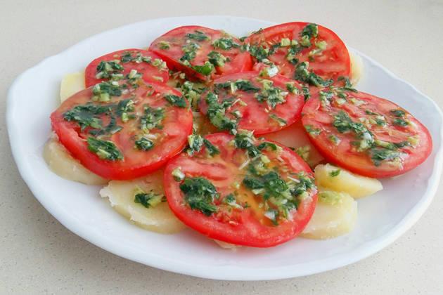 Ensalada de patatas y tomates