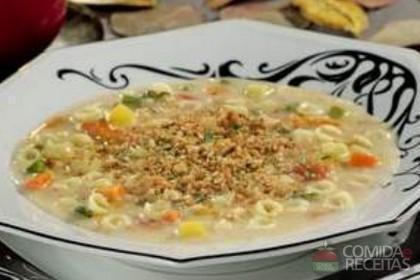 Receita de Sopa cremosa de legumes com queijo